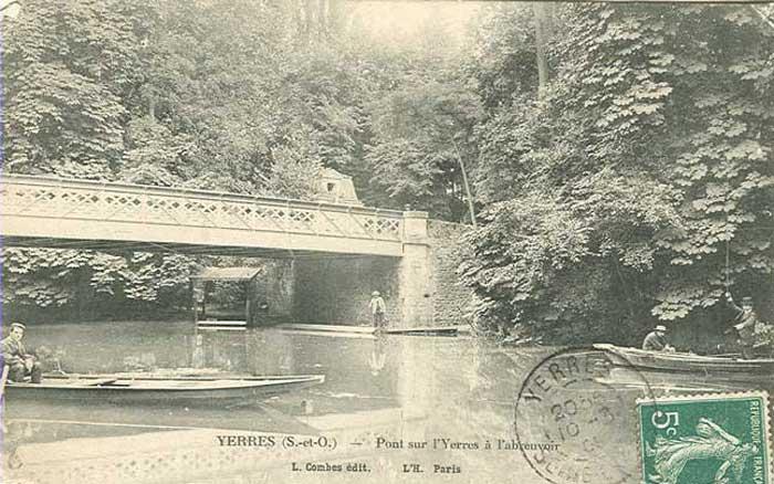 Le Pont et les canots