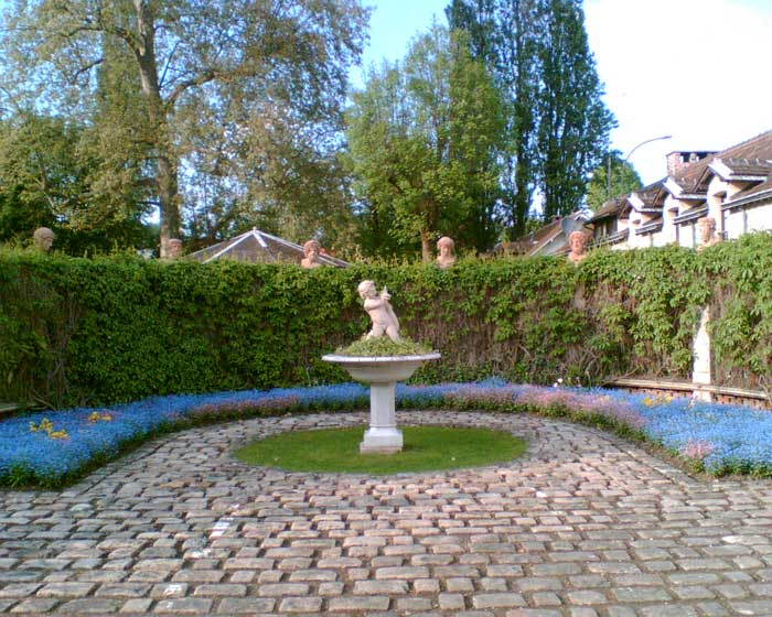Statue parc Caillebotte